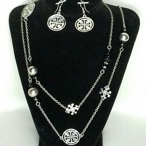 Jewelry - Necklace & Matching Earrings